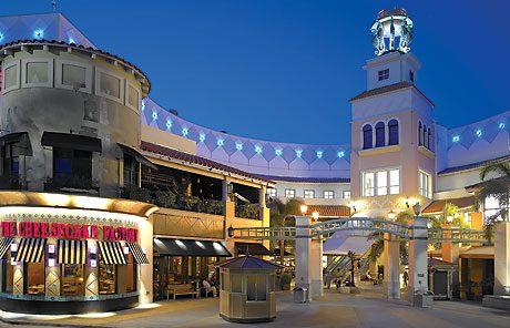 Foto muestra Cheesecake Factory, uno de los restaurantes en el Aventura Mall.